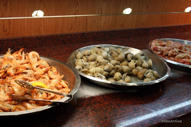 Le blog de clementine el buffet libre la jonquera en for Restaurant la jonquera