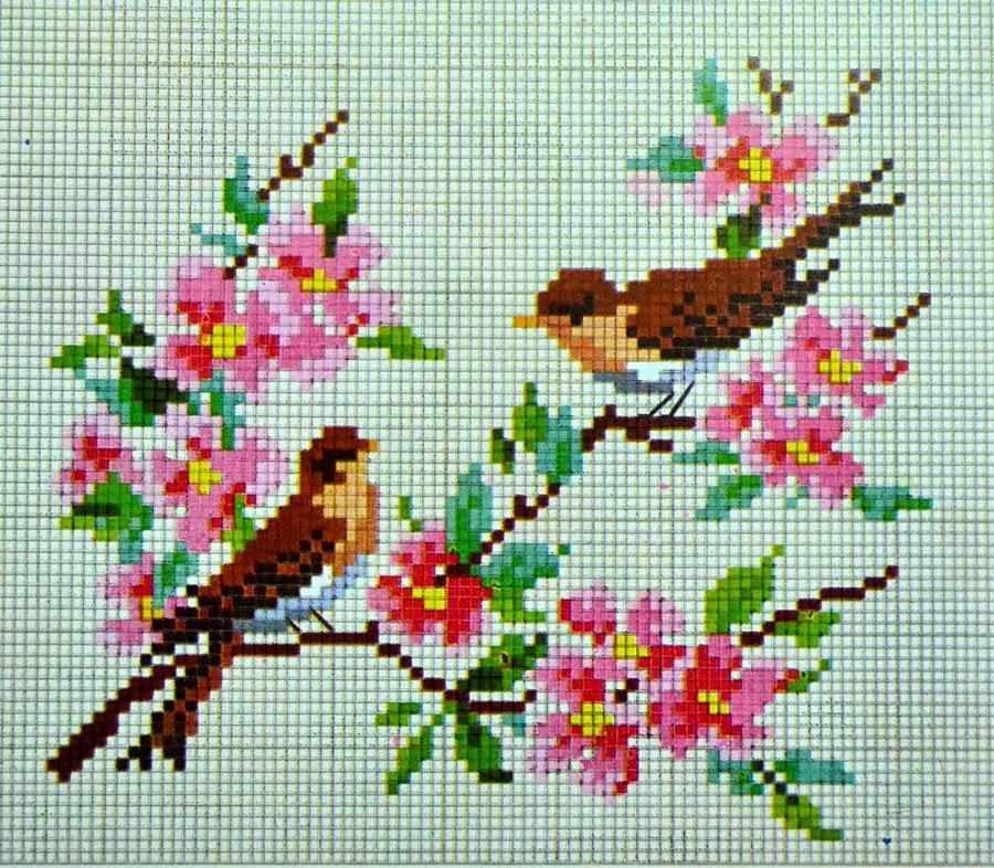 pola sulam kristik bunga dan burung