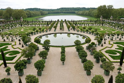 Mark twain visits versailles history and other thoughts for Garden design versailles