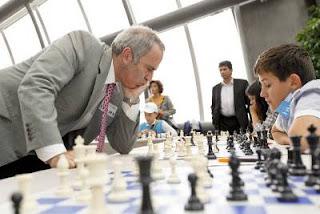 Echecs & Education : Kasparov au Parlement Européen