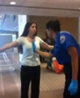 le tocan la vagina y los senos en el aeropuerto