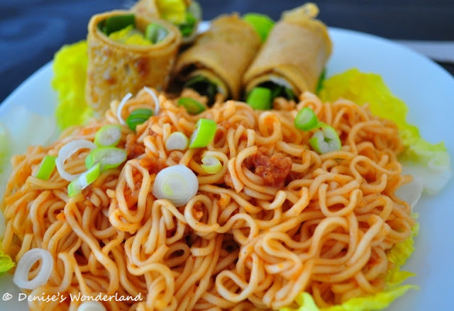 Pontian style instant noodle in ketchup sauce