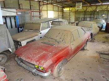 Πωλούνται συλλεκτικά αυτοκίνητα που ήταν σε ελληνικό αχυρώνα...