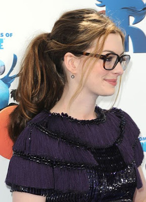 Anne Hathaway long straight pony tail hairstyles