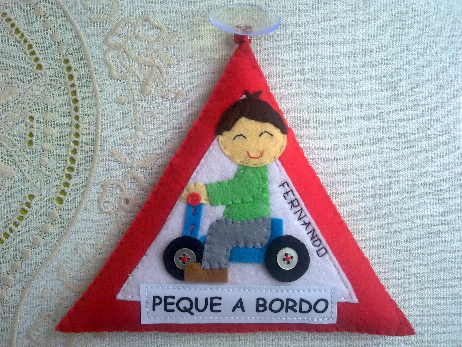 Mi Rincón de Fieltro: Triángulos para auto...