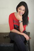Hari Priya dazzling stills-thumbnail-15