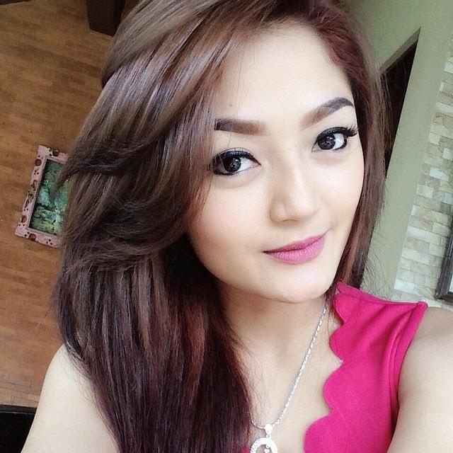 Galeri foto selfie siti badriah foto selfie artis for Siti di foto