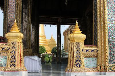Intérieur du temple du Bouddha d'émeraude