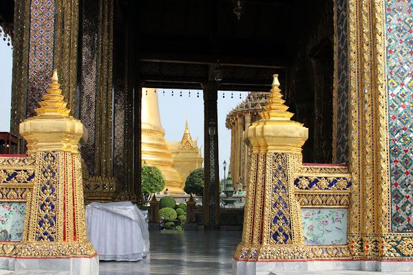Interior del Templo del Buda Esmeralda