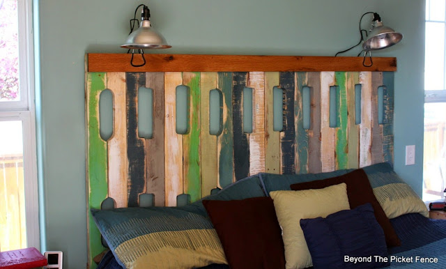 pallet headboard, bedroom, wood, fusion mineral paint, beyond the picket fence, http://bec4-beyondthepicketfence.blogspot.com/2015/05/pallet-headboard.html