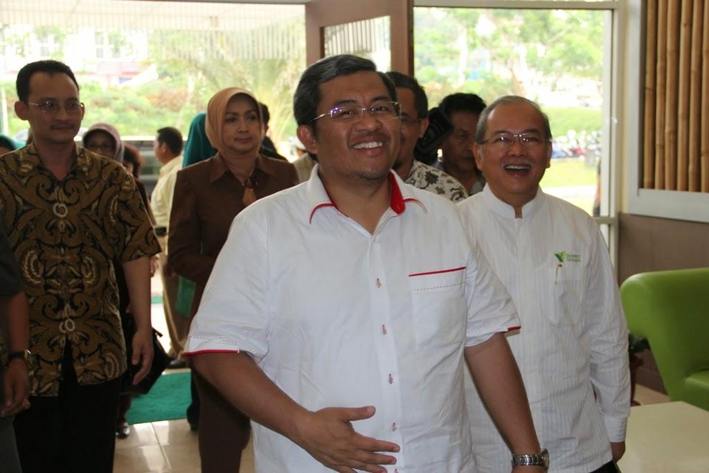 Kunjungan Gubernur Jaa  Barat Bapak Ahmad Heryawan ke RST di Desa Jampang