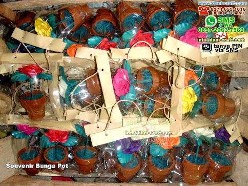 Souvenir Bunga Pot Clay Balikpapan