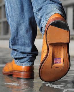 Ponsel Sepatu 2013 11