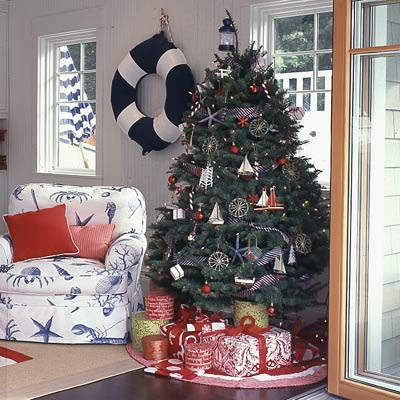 a traditional nautical christmas - Coastal Themed Christmas Decorations