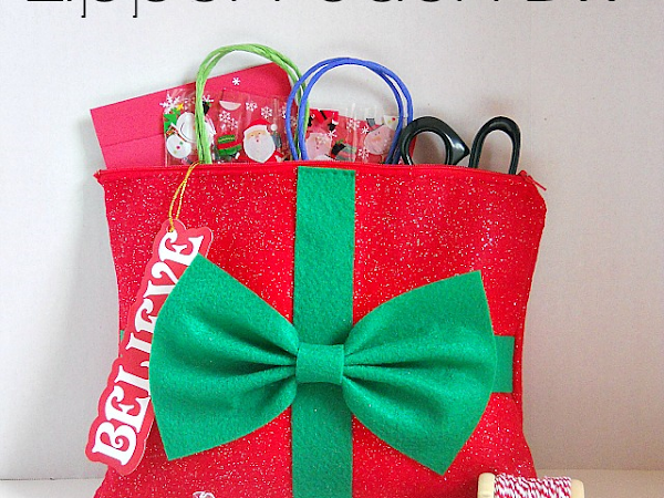 Christmas Inspired Zipper Pounch DIY on Seams and Scissors
