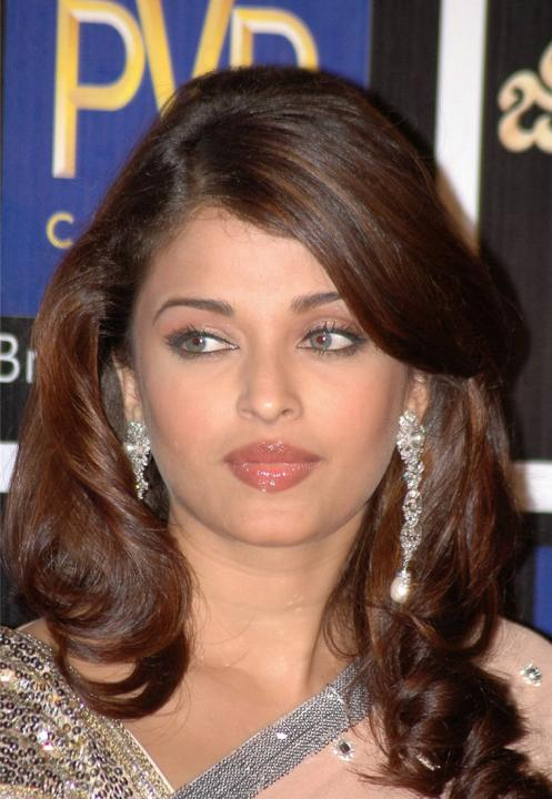 Aishwarya Rai Latest Hairstyles, Long Hairstyle 2011, Hairstyle 2011, New Long Hairstyle 2011, Celebrity Long Hairstyles 2021