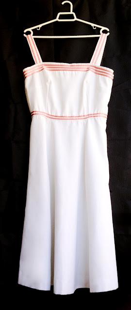 vestido vintage blanco y rosa