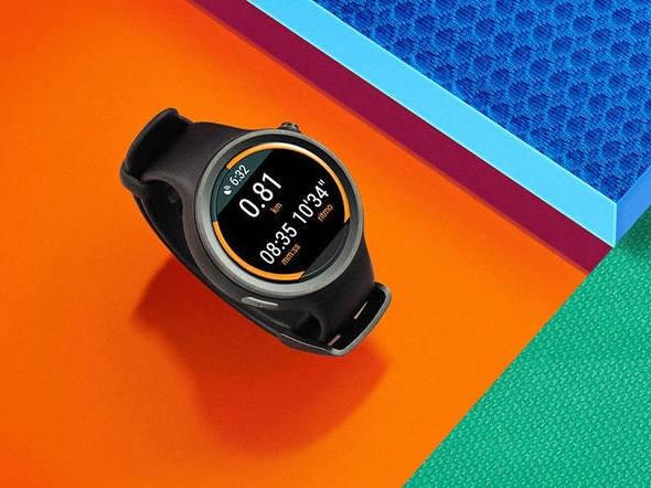 O smartwatch Moto 360 Sport tem foco em atividades físicas