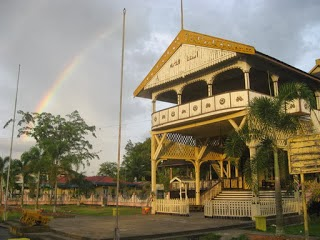 Download this Rumah Adat Istana Kesultanan Pontianak picture