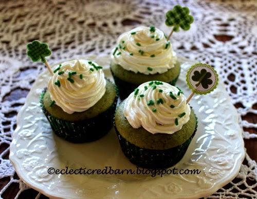 Eclectic Red Barn: Green Velvet Cupcakes
