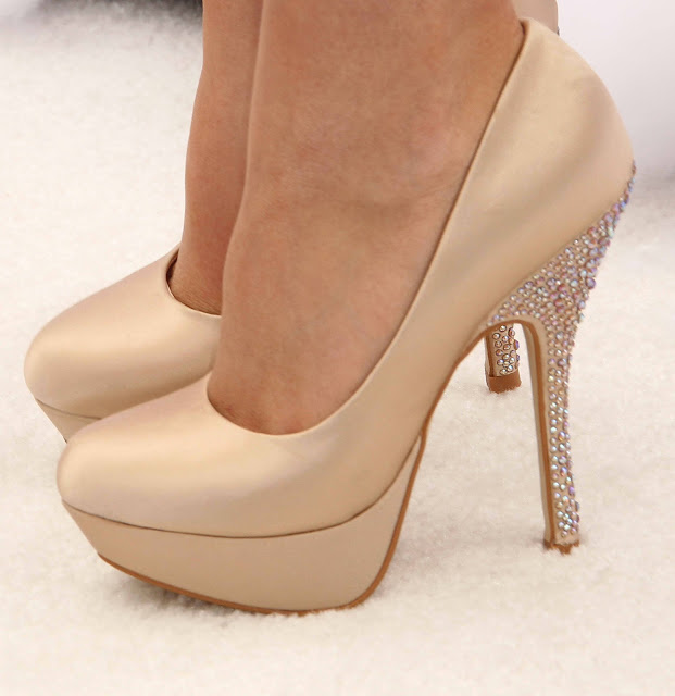 Fashion Is My Drug: Wardrobe Essentials - Nude Shoes
