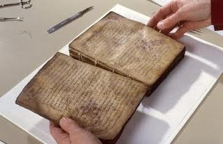 ΑΝΕΚΤΙΜΗΤΟΣ ΘΗΣΑΥΡΟΣ! Τα αρχαία ελληνικά χειρόγραφα του Αγίου Όρους!