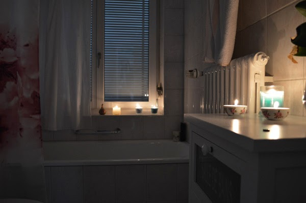 Saturday candle light bubble bath