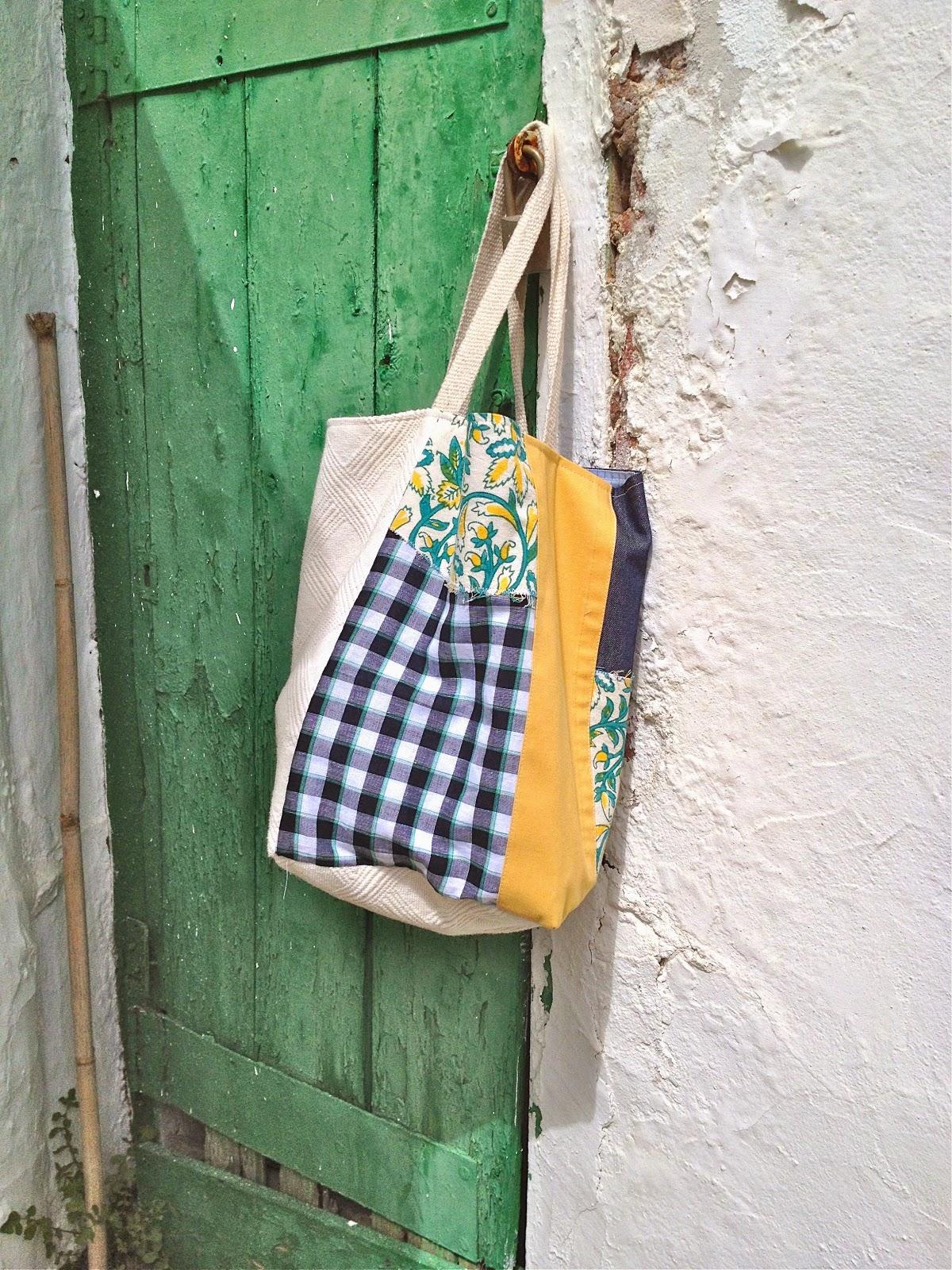 Bolsos de tela hechos a mano barcelona cosecosebcn - Cuadros con tela de saco ...