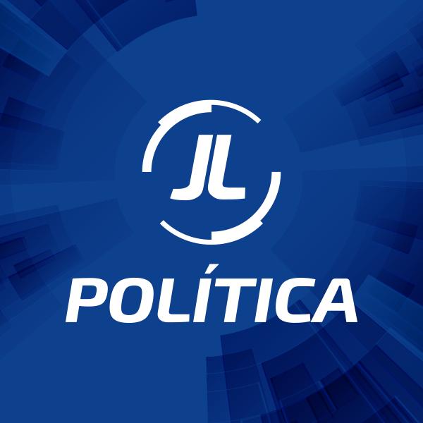 J L Política