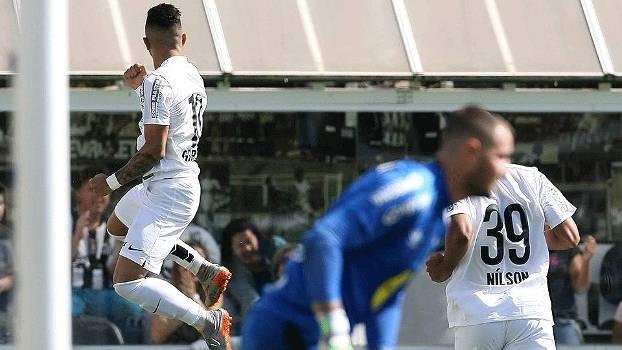 Gabigol brilha de novo e Santos vence Joinville