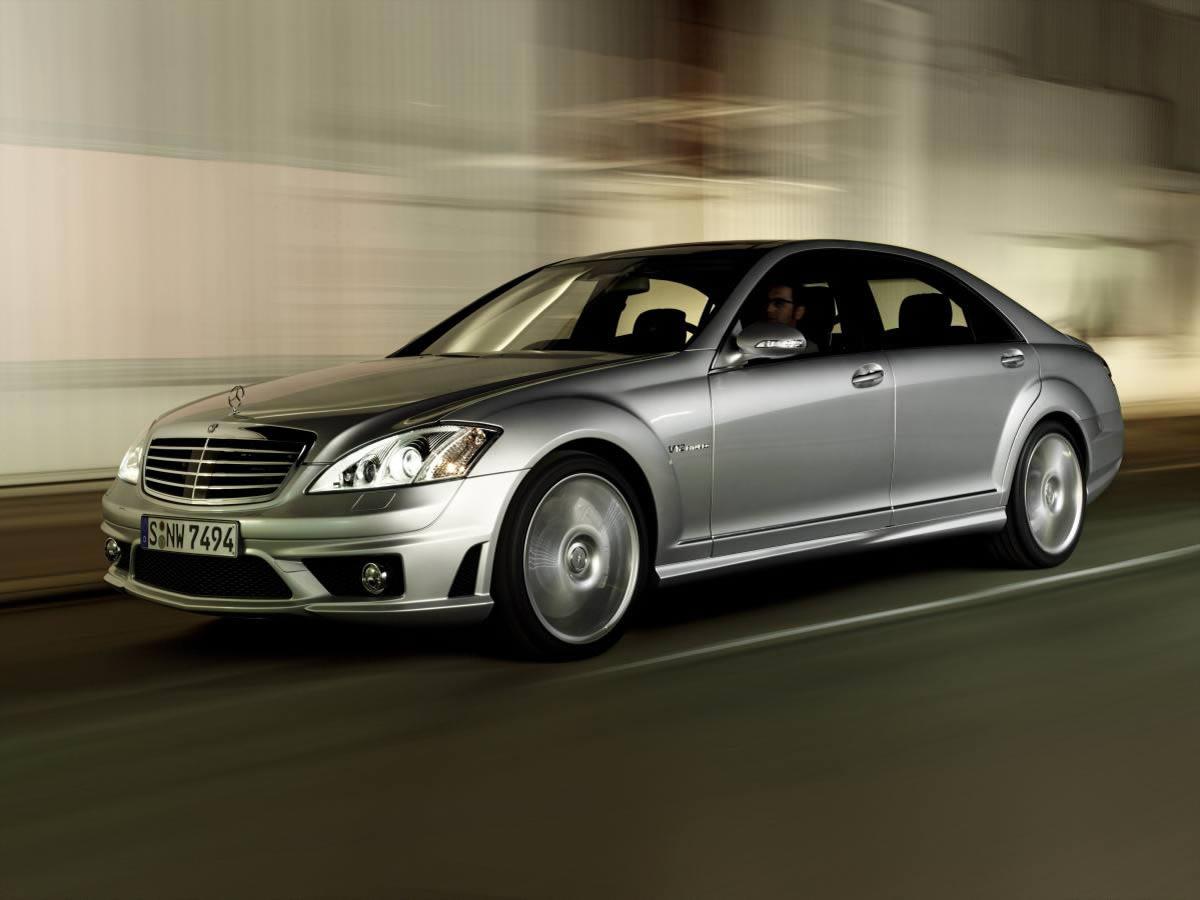 http://3.bp.blogspot.com/--3k0oQ50UZQ/T_hfNWBlydI/AAAAAAAAAV4/TQ5nWodtYKU/s1600/Mercedes-Benz-S-Class-2.jpg
