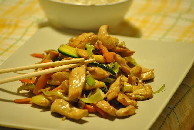 Bocconcini di pollo caramellati alla soia, in 15 minuti.