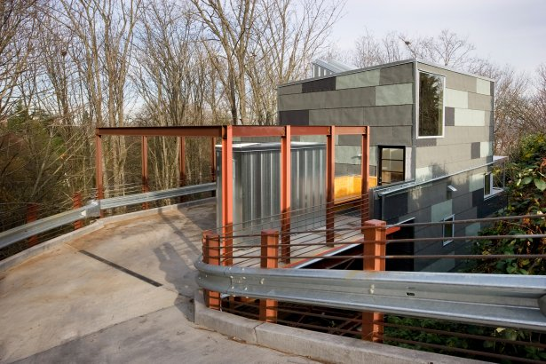 Treehouse residence seattle usa plans most beautiful for Steep hillside home designs