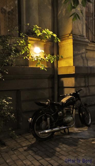 motocicleta la scena bucuresti