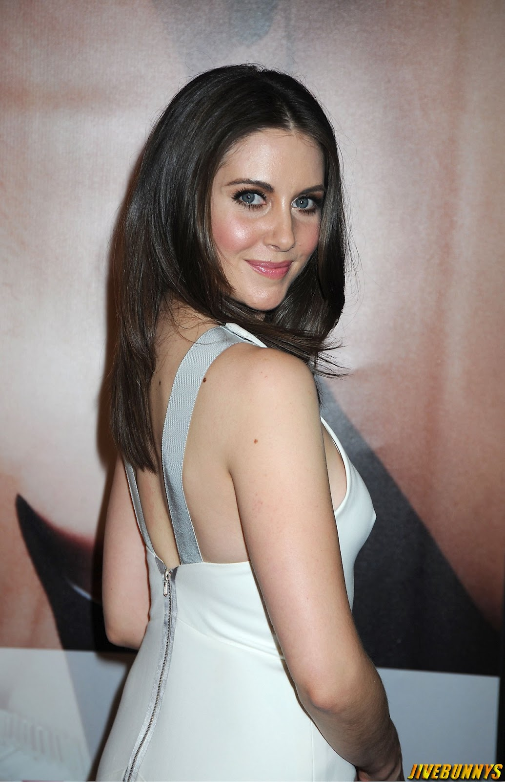 alison brie hot - photo #22