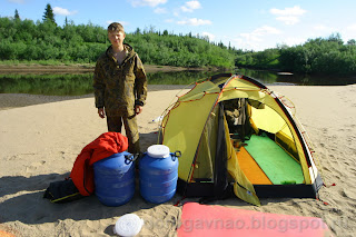 Лагерь на песке - меньше комаров, река Шапкина