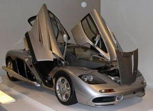 McLaren F1 - Top kecepatan 243 mph