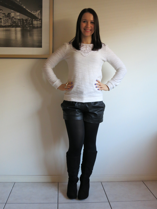 petite outfit, petite winter outfit, black leather shorts, cream jumper, black boots, gold bow ring