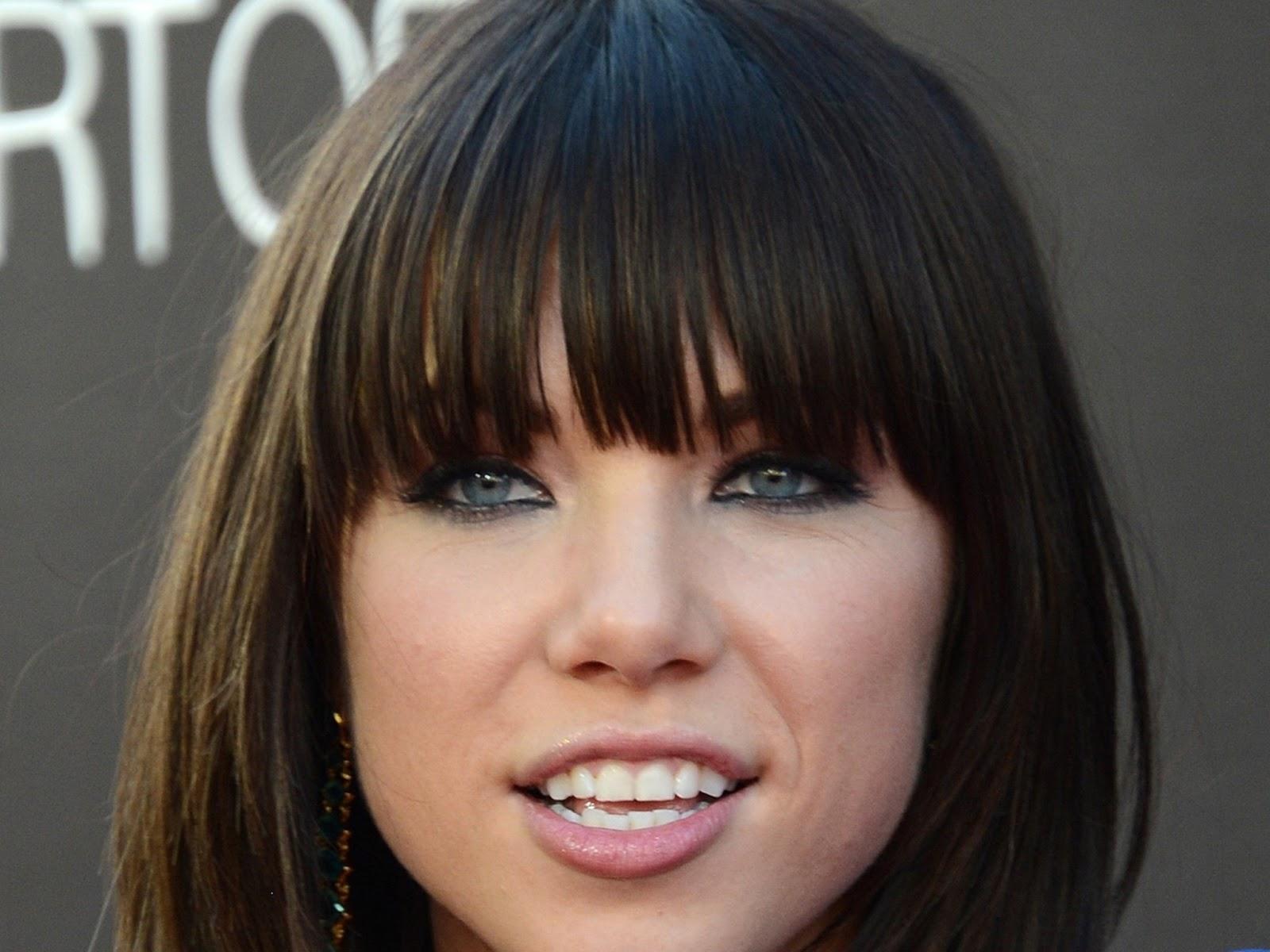 http://3.bp.blogspot.com/--5f8vvP4Ne8/US0FYWwYtkI/AAAAAAAAFoQ/OW-jUr6wziE/s1600/Carly-Rae-Jepsen-3.jpg