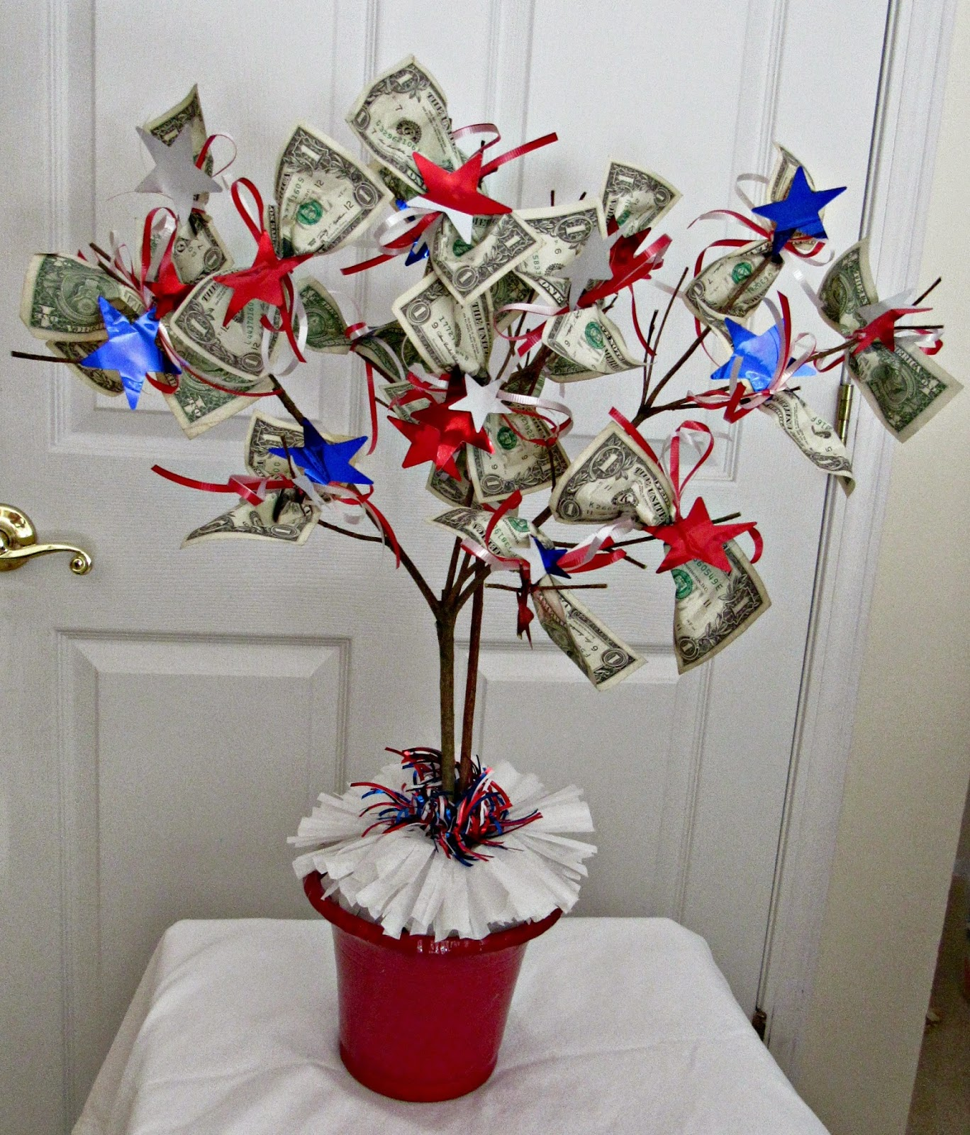 Need A Graduation Gift? Make A Money Tree