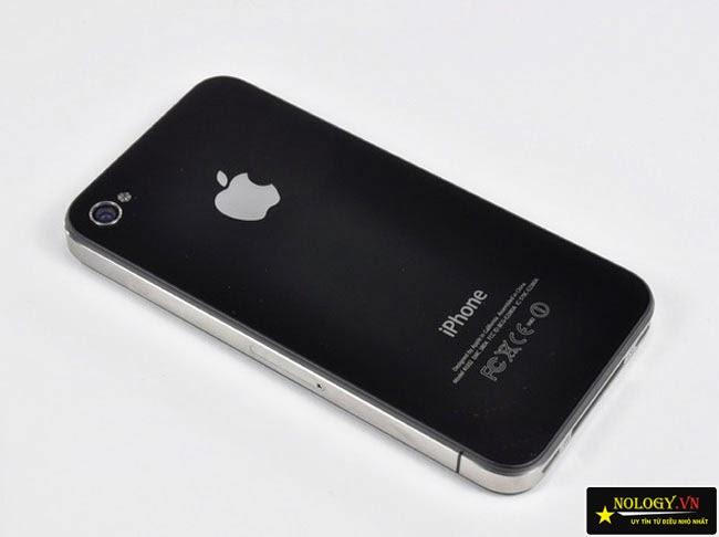 thay nắp lưng iphone 4