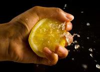 Limonun Faydaları,Limonun Yararları,Limon Kolesterolü Düşürür mü,Kolesterole Limon İyi Gelirmi, Limonun Cilde Faydaları,Limonun Tansiyona Etkisi, Limonun Tansiyona Faydaları