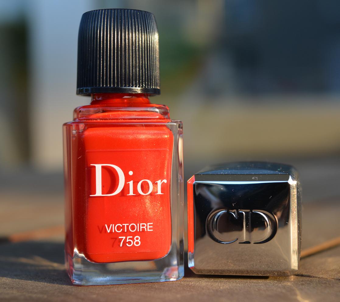 Nagellack] Dior – Victoire 758 und Stamping – Frau Ausverkauft
