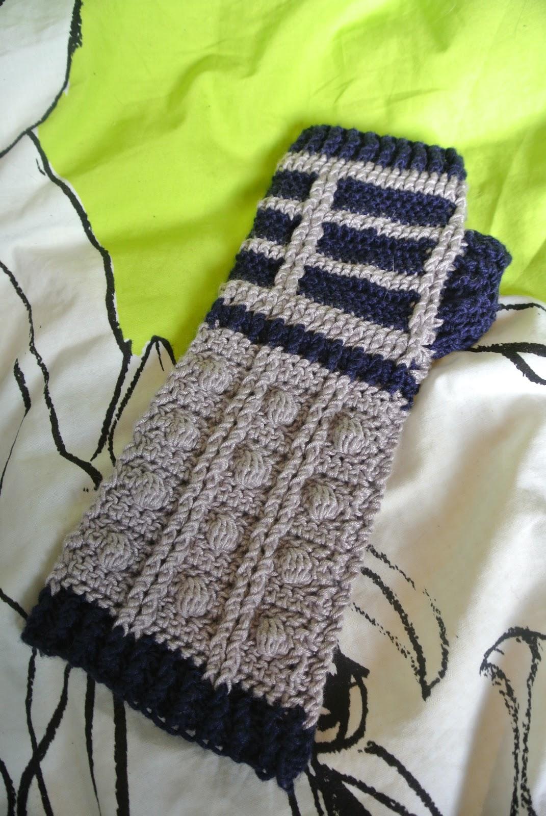 Knit it nerdy: Finished: Dalek mitts