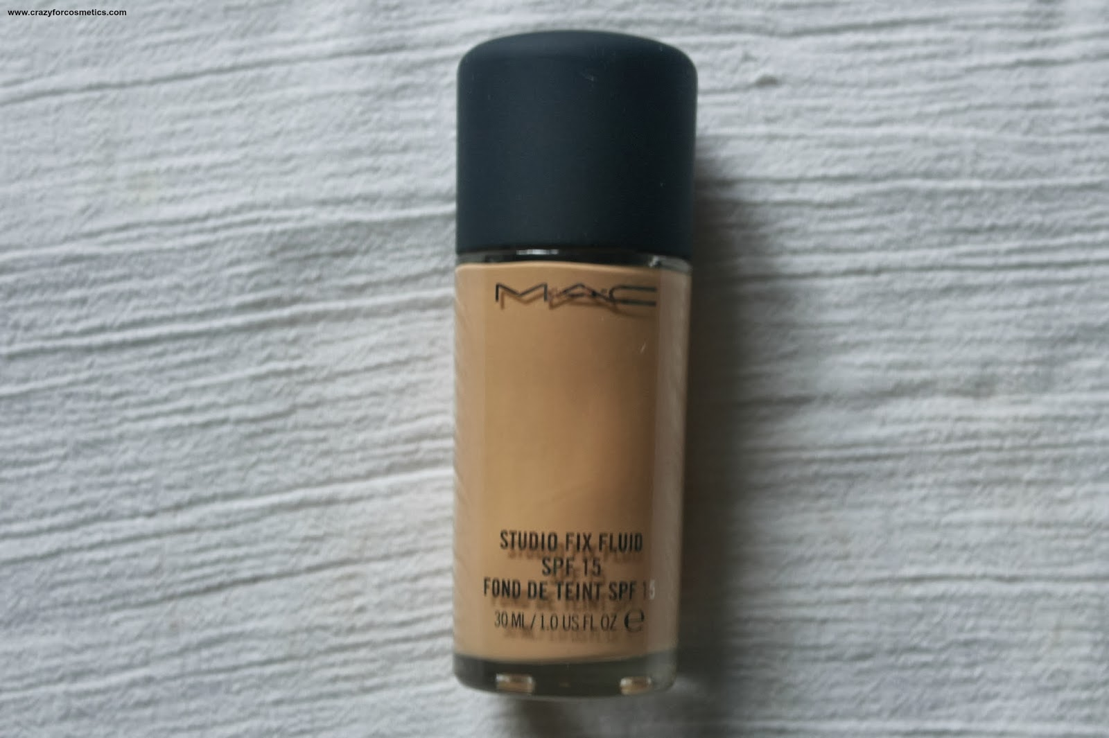 MAC face products-MAC foundation-MAC studio fix foundation NC 40