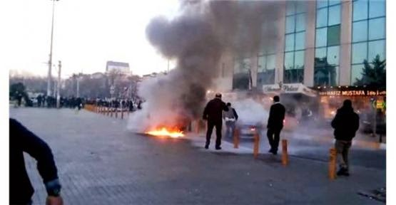 Taksim Meydan'da arabasını benzinle yaktı