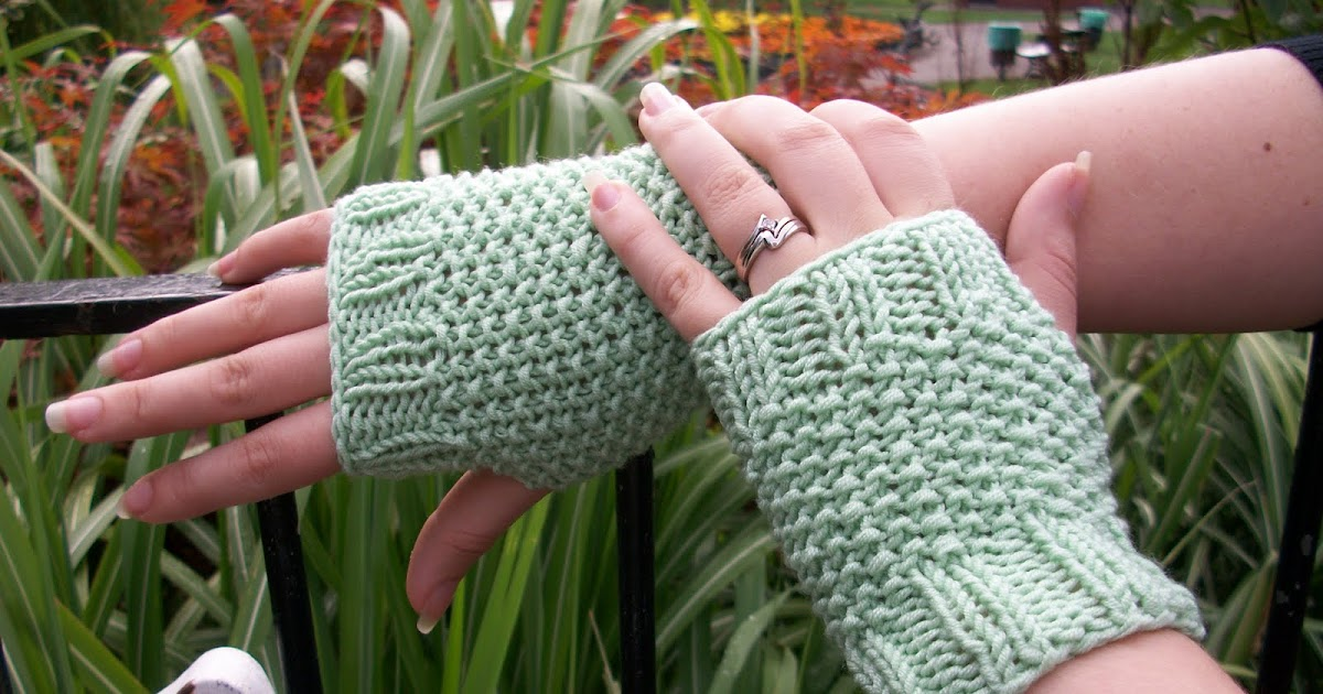 Knitting Seed Stitch Decrease : Musings of a knit-a-holic from Wales: Knitting Pattern: Seed Stitch Fingerles...