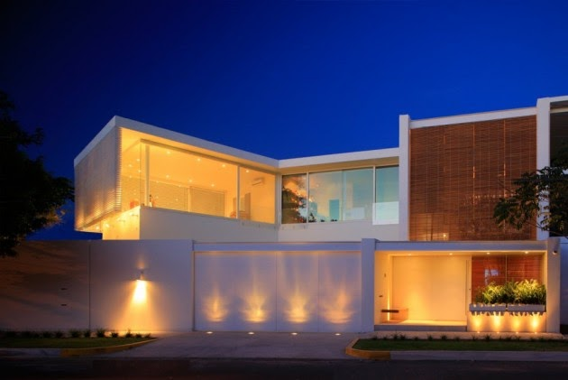 Fachada espectacular en mexico fachadas de casas y casas for Fachadas de viviendas