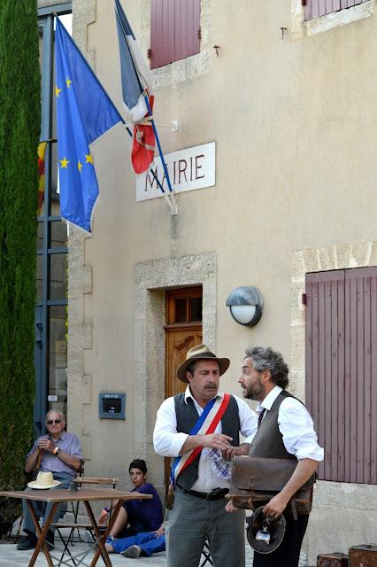 theatrale-en-luberon-cour-des-grands-marcel-pagnol-randonnée-theatre