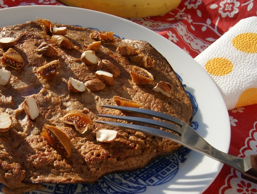 omlet z bananem i czekoladą